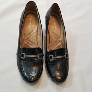 Naturalizer's Black Leather Upper Heel Loafer